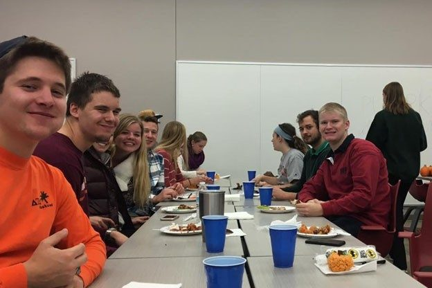Students enjoy Buffalo Wild Wings before competing in other activities